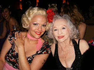 *BOB* mit der leider vor kurzem verstorbenen Burlesque-Legende Dixie Evans