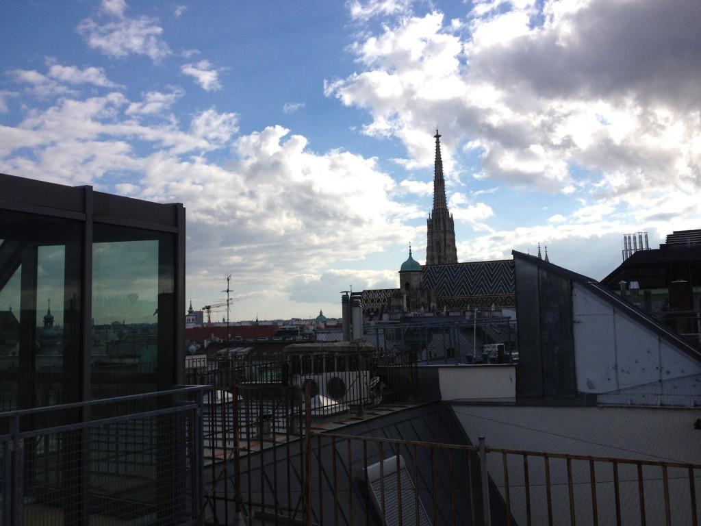 Und noch ein Himmelsbild, von einem Dach in der Wiener Innenstadt aus …